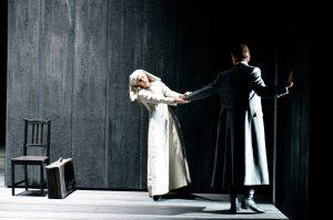 Acte II, Tableau 3 : Patricia Petibon (Blanche), Topi Lehtipuu (Le Chevalier)