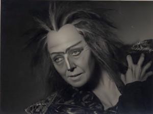 Elisabeth Höngen : La Nourrice en 1955